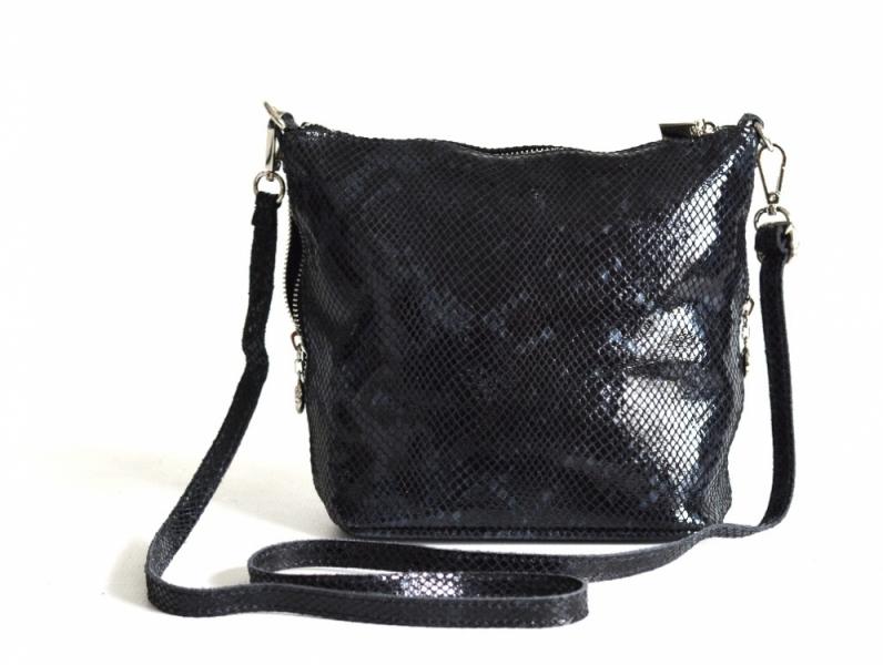 Fashion kožená kabelka (kapsa) menší lesklá had černá - Fashion ... 992e5726451