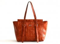 Atraktivní kabelka Bright A4 na šířku přes rameno s řetízky karamel