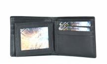 Kožená pánská dokladová peněženka bez mincí vybavená černá