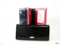 BRIGHT Dámská peněženka psaníčko hladká kůže černá (zlatý štítek)