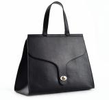 Bright Elegantní dámská kabelka s klopnou a zámkem A4 do ruky černá
