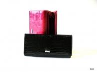 BRIGHT dámská peněženka s velkou zipovou vnější kapsou strukturovaný lak (stříbrný štítek) černá