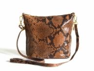 Fashion kožená kabelka (kapsa) menší lesklá had béžovo-hnědá