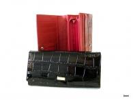 BRIGHT Dámská peněženka psaníčko kroko lak černá (zlatý štítek)